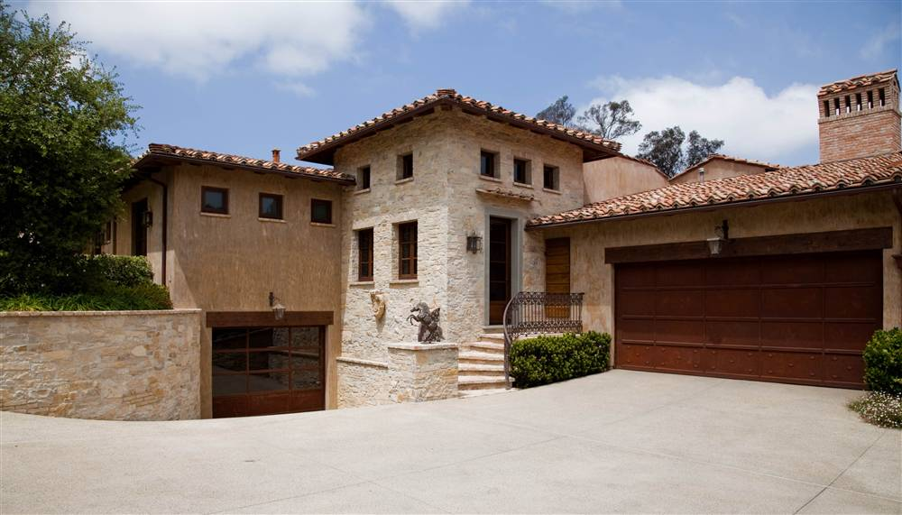 Now that 39 s what i call a beautiful car garage part 8 for Very nice house pictures