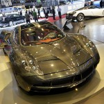 Pagani_Huayra_Carbon_Edition_front_side_view_2