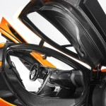14_McLarenP1_interior