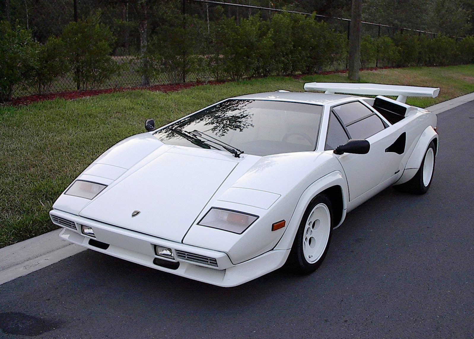 my top 10 sports cars of all time my car heaven. Black Bedroom Furniture Sets. Home Design Ideas