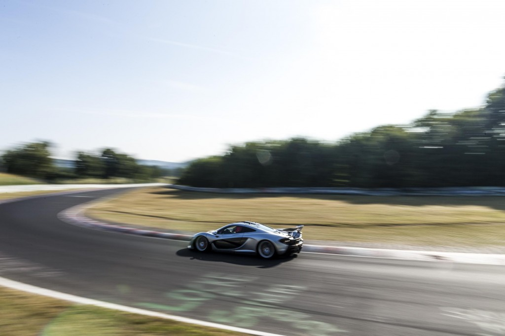 McLaren_P1_NurburgringTest-486