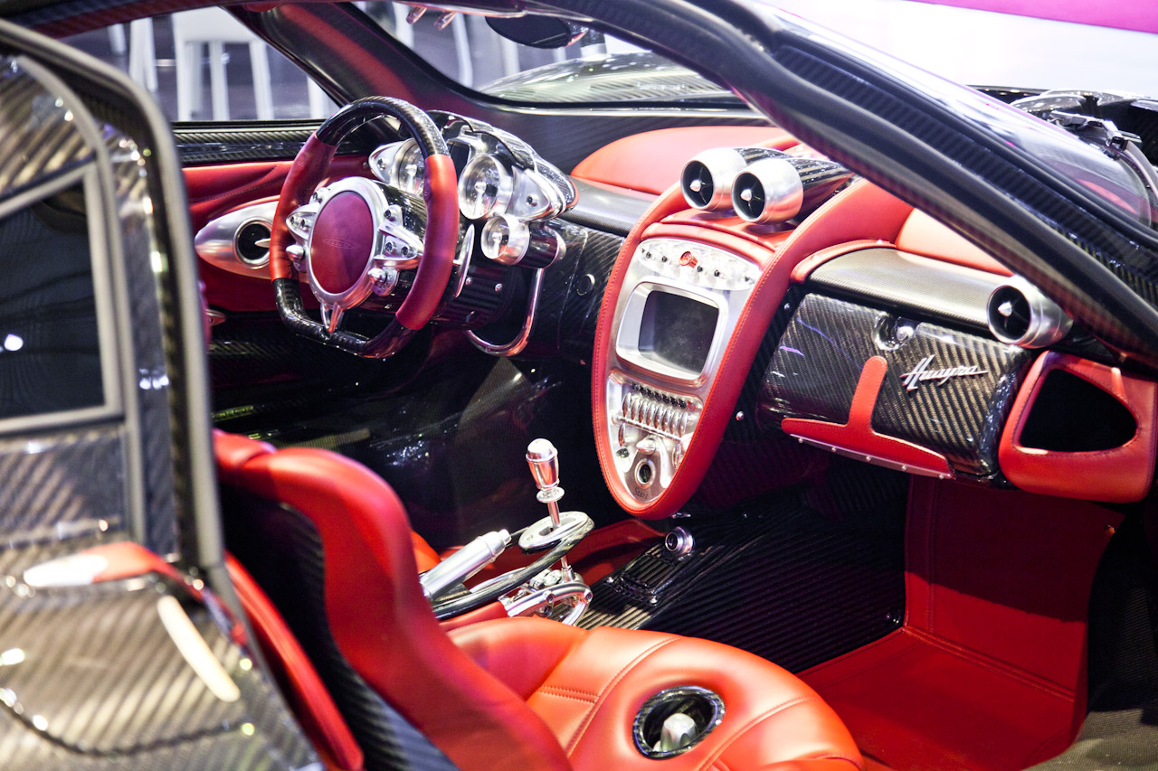 The awesome pagani huayra carbon edition my car heaven for Carbon interieur