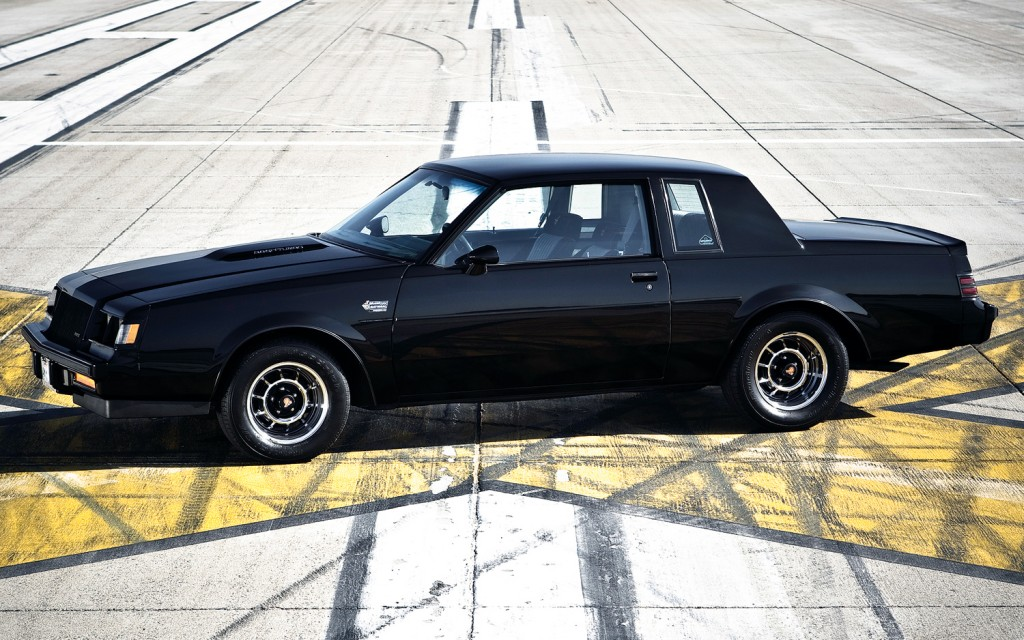 1987-Buick-Regal-Grand-National-side