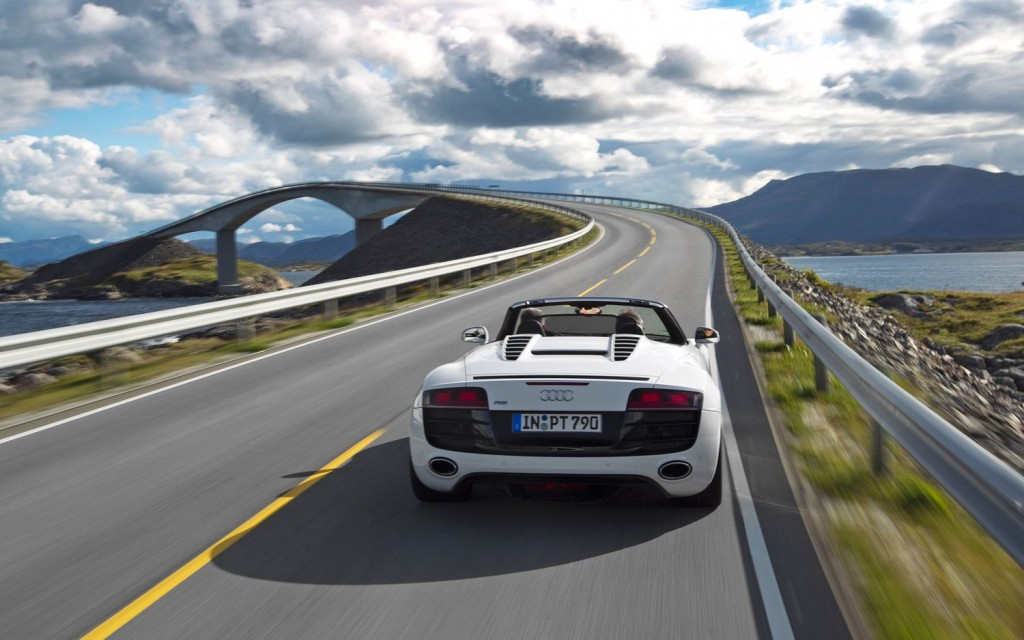2011-Audi-R8-V10-Spyder-rear-end-in-motion