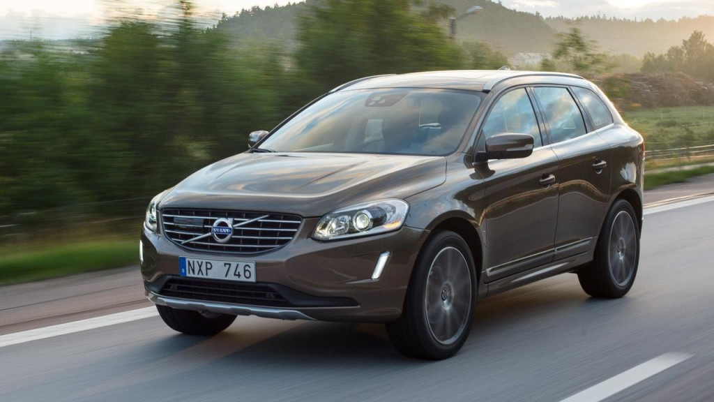 buyers_guide_-_volvo_xc60_2014_-_front_quarter